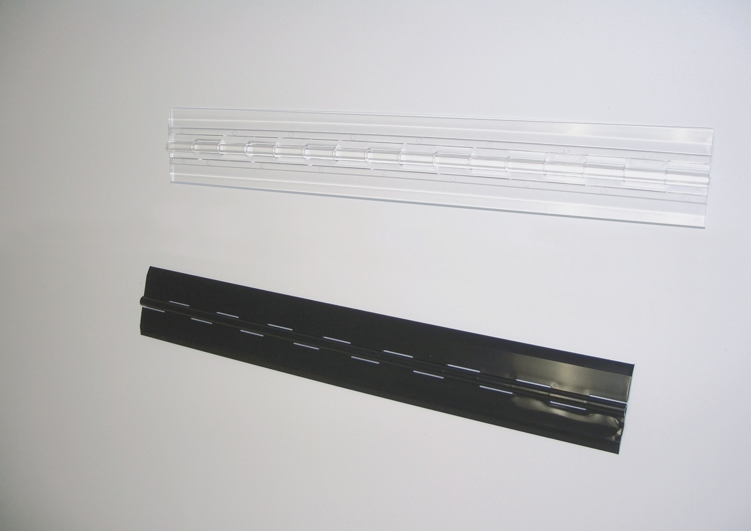 Acrylic hinges clear and black color plastic hinges.